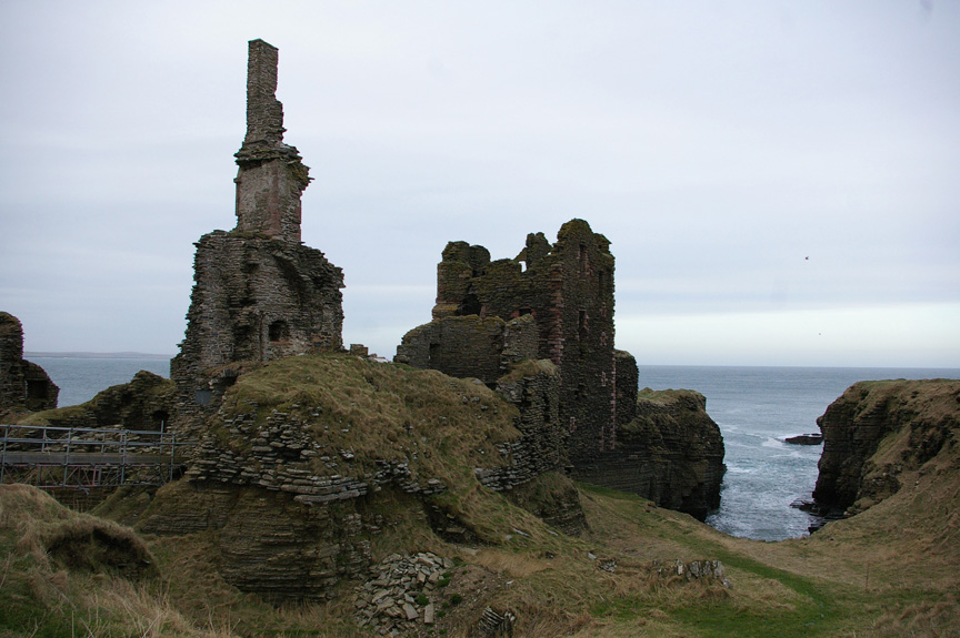 Castle Sinclair Girnigoe, with Sinclair Bay in background